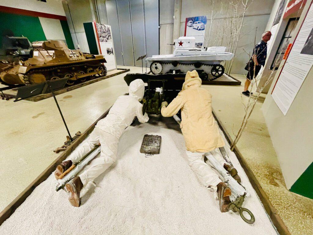 Vinterkrigare laddar kanonen